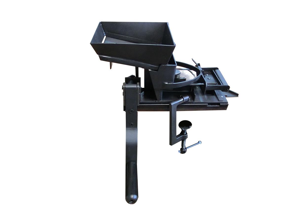 Belt loading machine for the 7.62x54R caliber machine gun belts